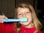 Světlušky a skautky se učí správně čistit zoubky 13.12.2013
