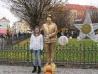 32_natka_u_zlate_sochy